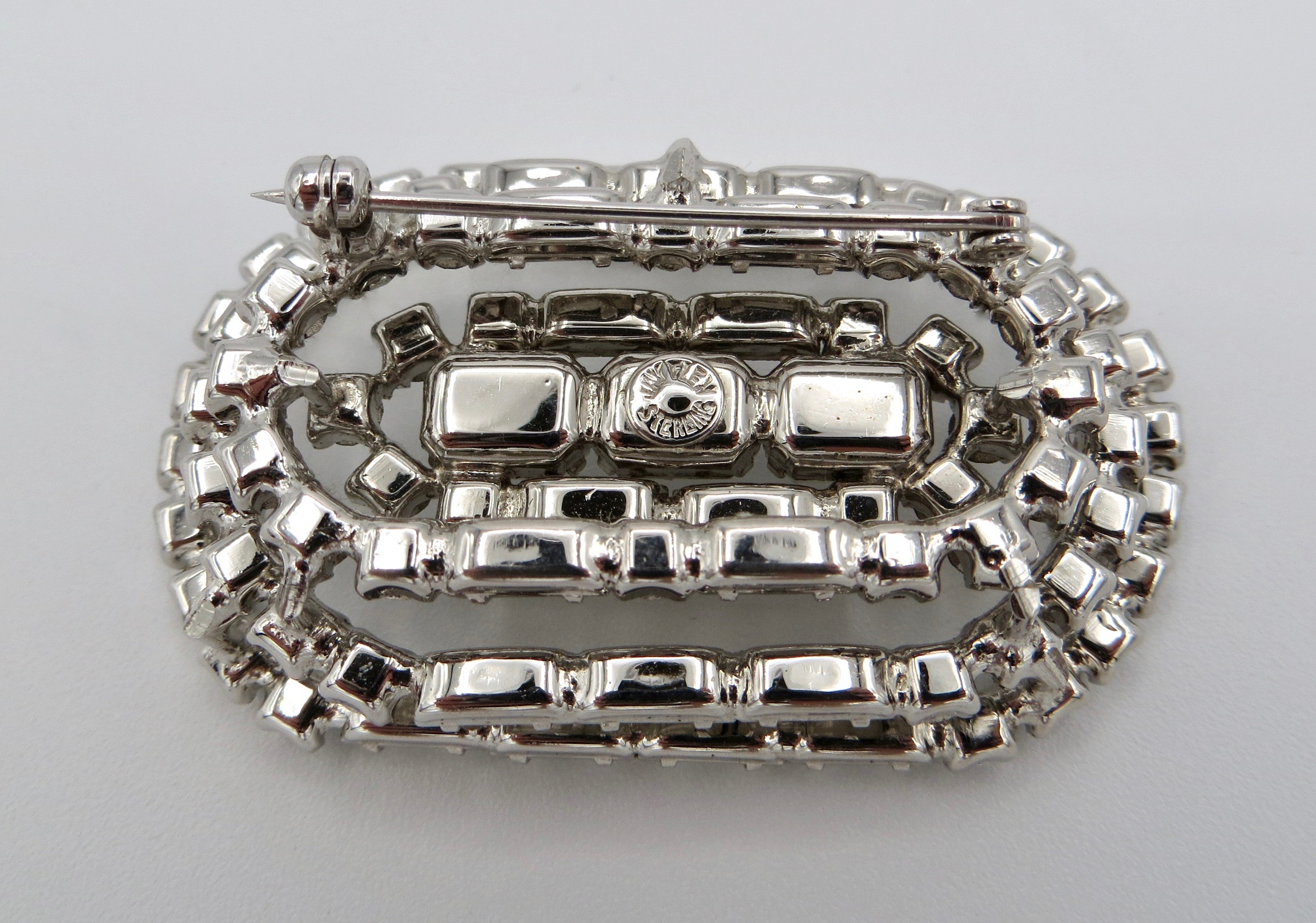 Jayflex Sterling Brooch