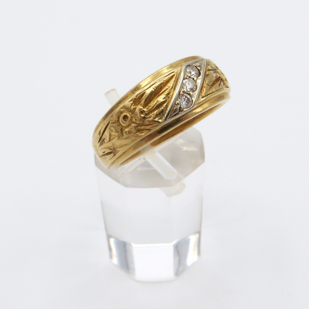 14kt Gold & Diamond Band with Floral Decoration