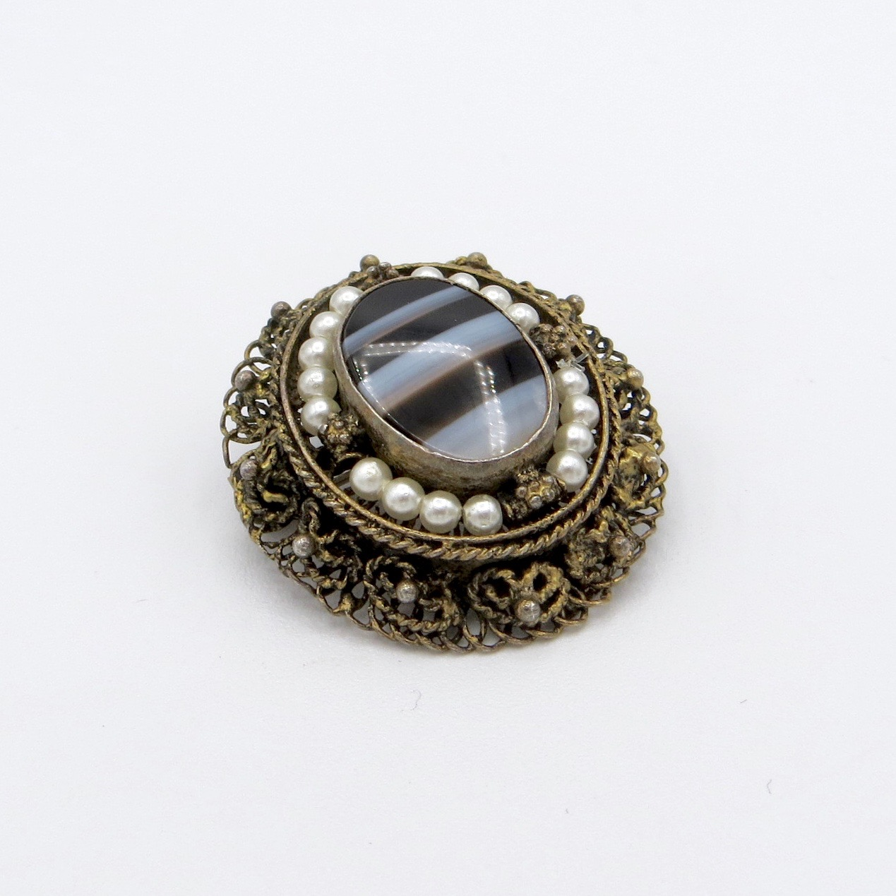Agate Brooch with Pearls