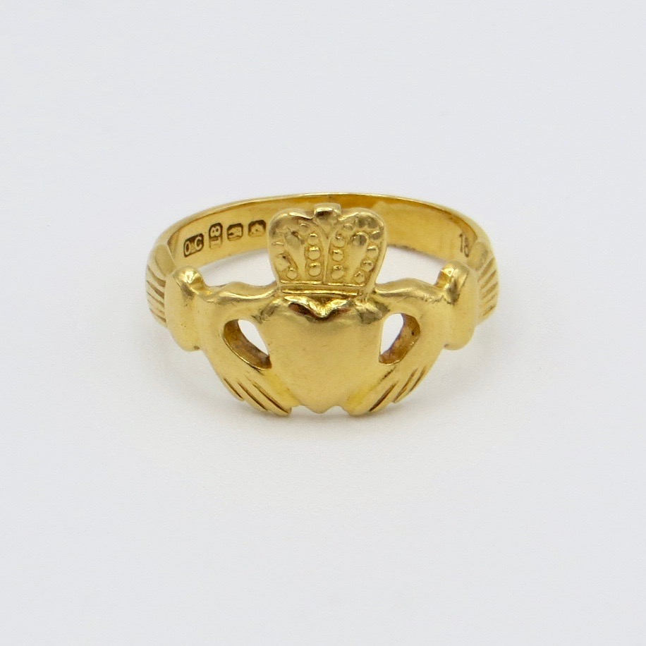 18kt Gold Claddagh Ring