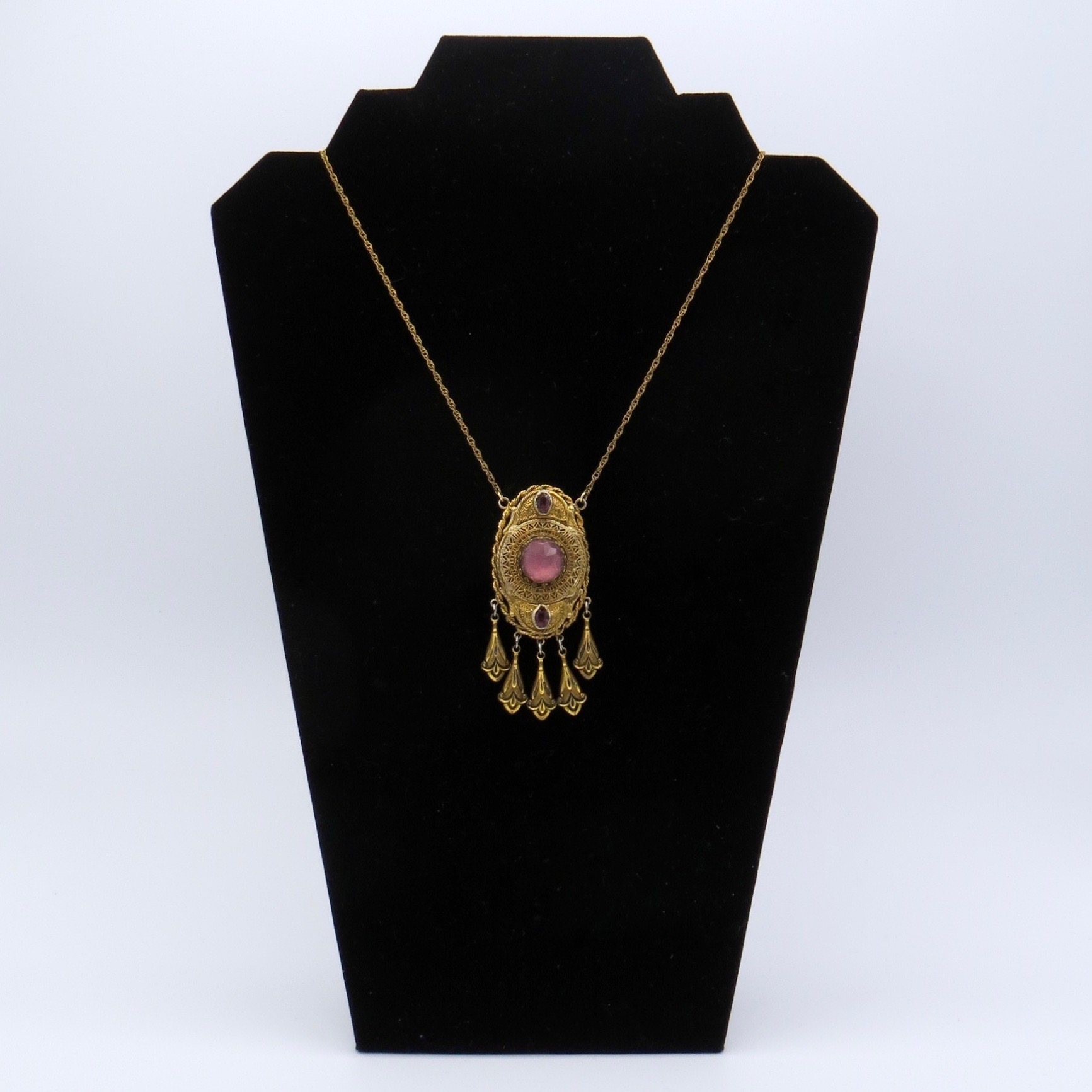 5JN21-vict-style-purple-necklace-c