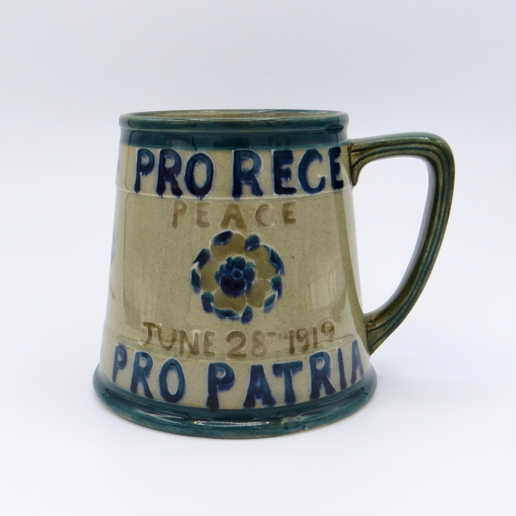 Rare Moorcroft First World War Commemorative Mug