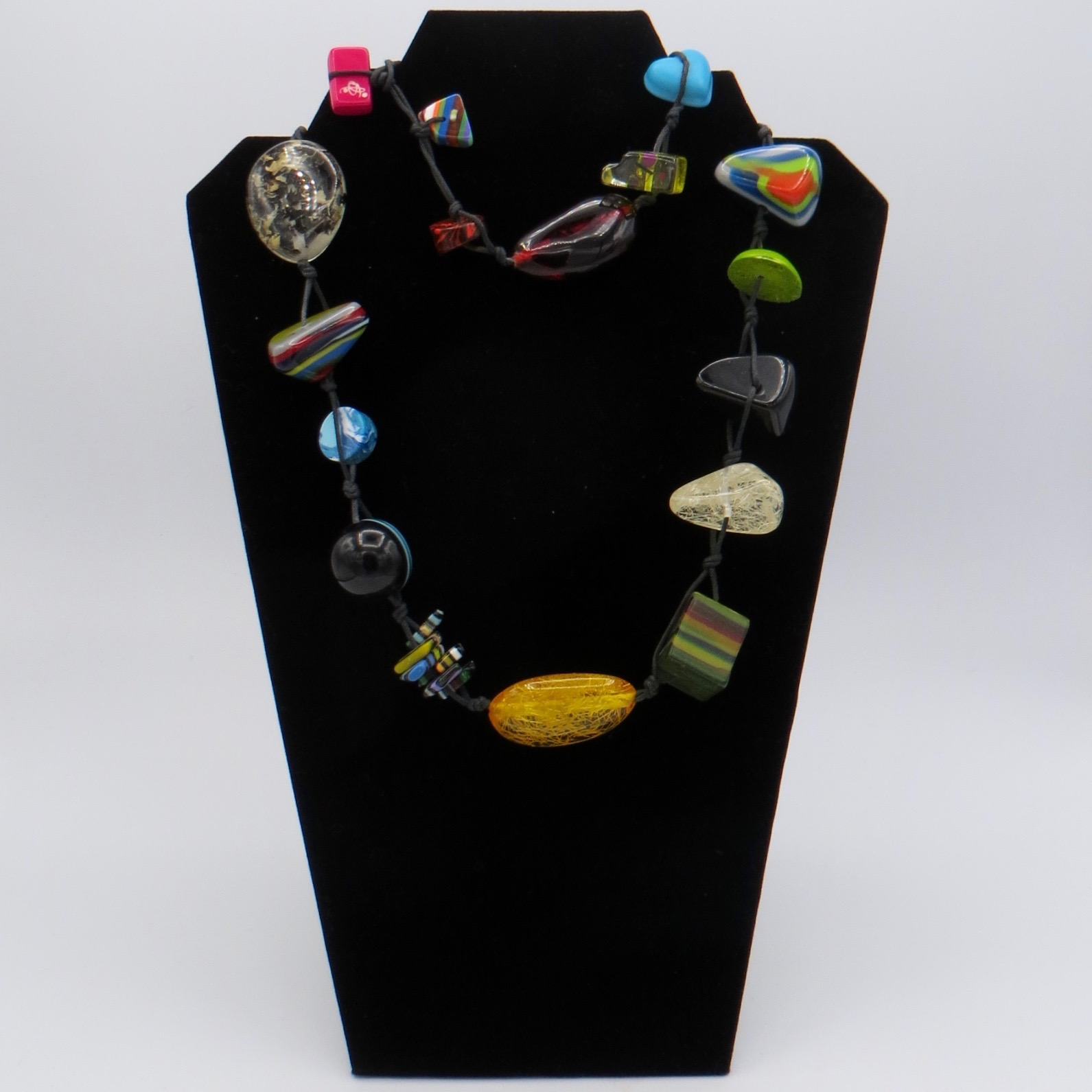 Sobral Multifaceted Resin Necklace