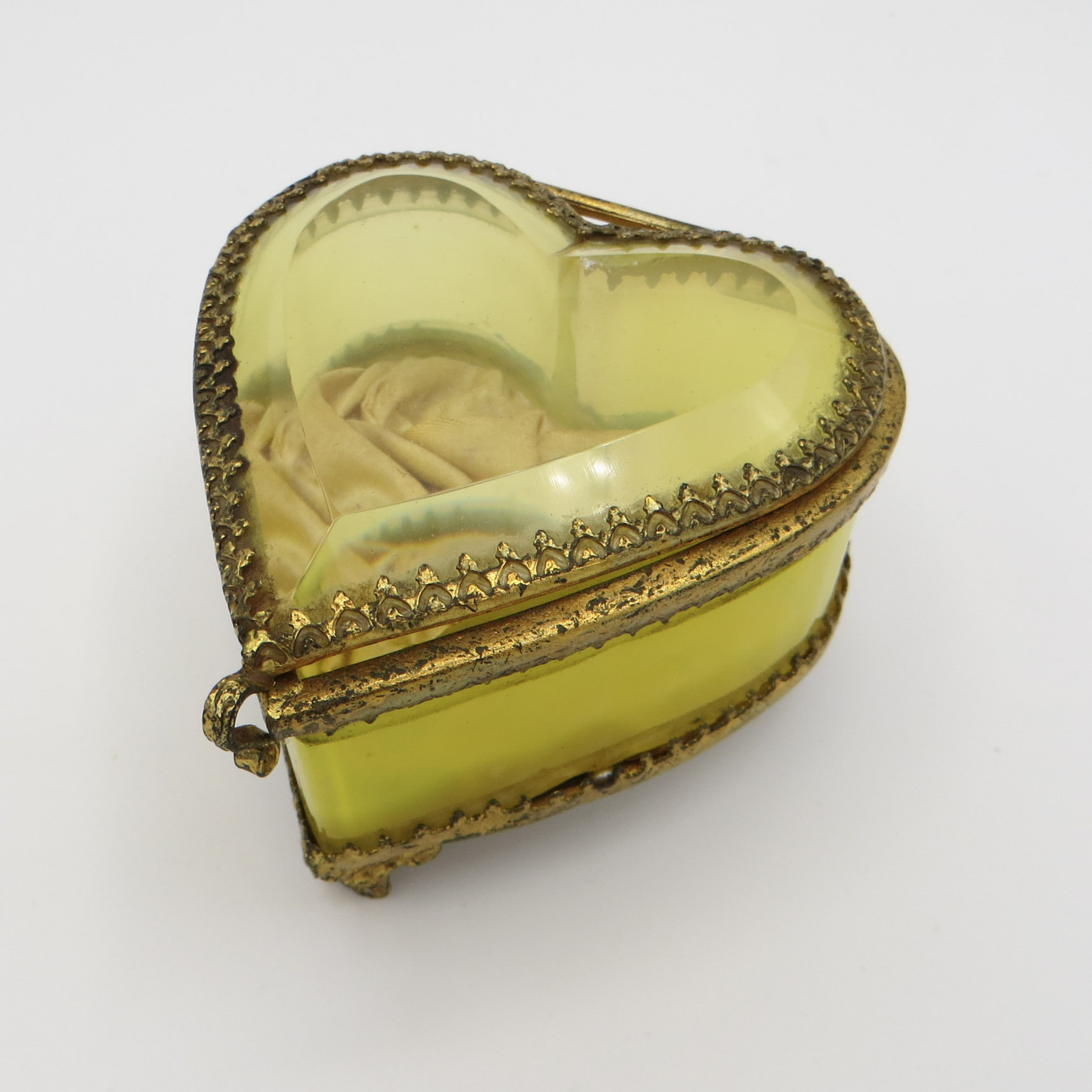 Canary Glass Heart Box