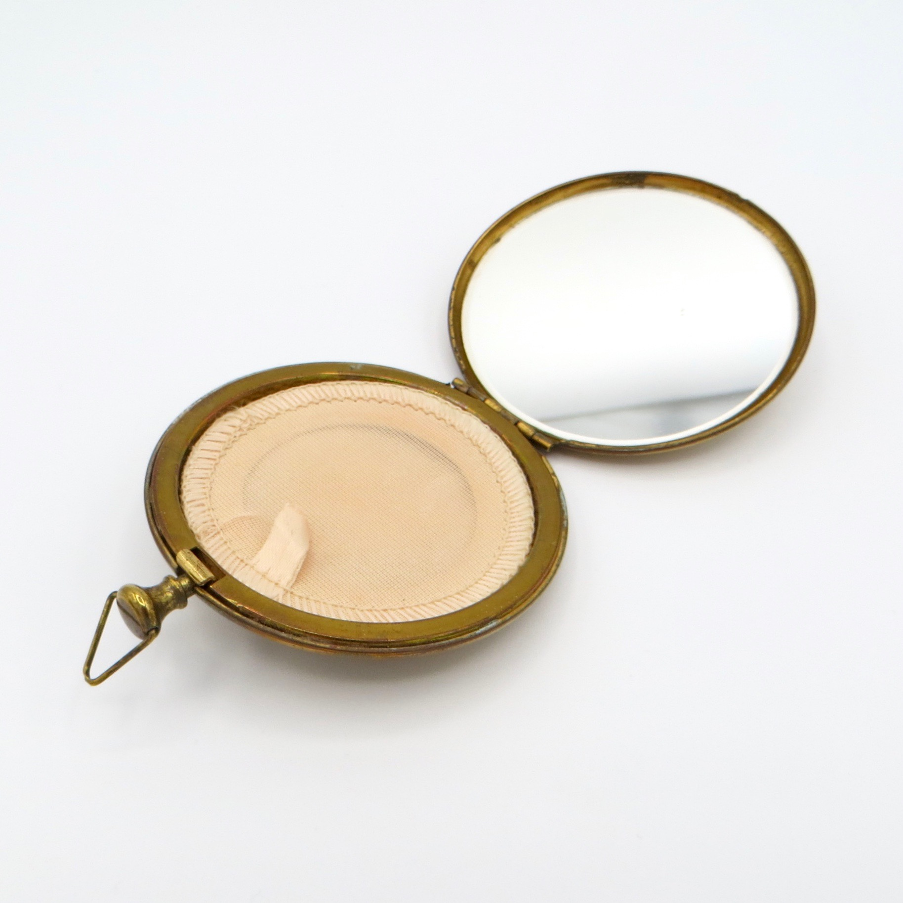 Heart & Feather Compact