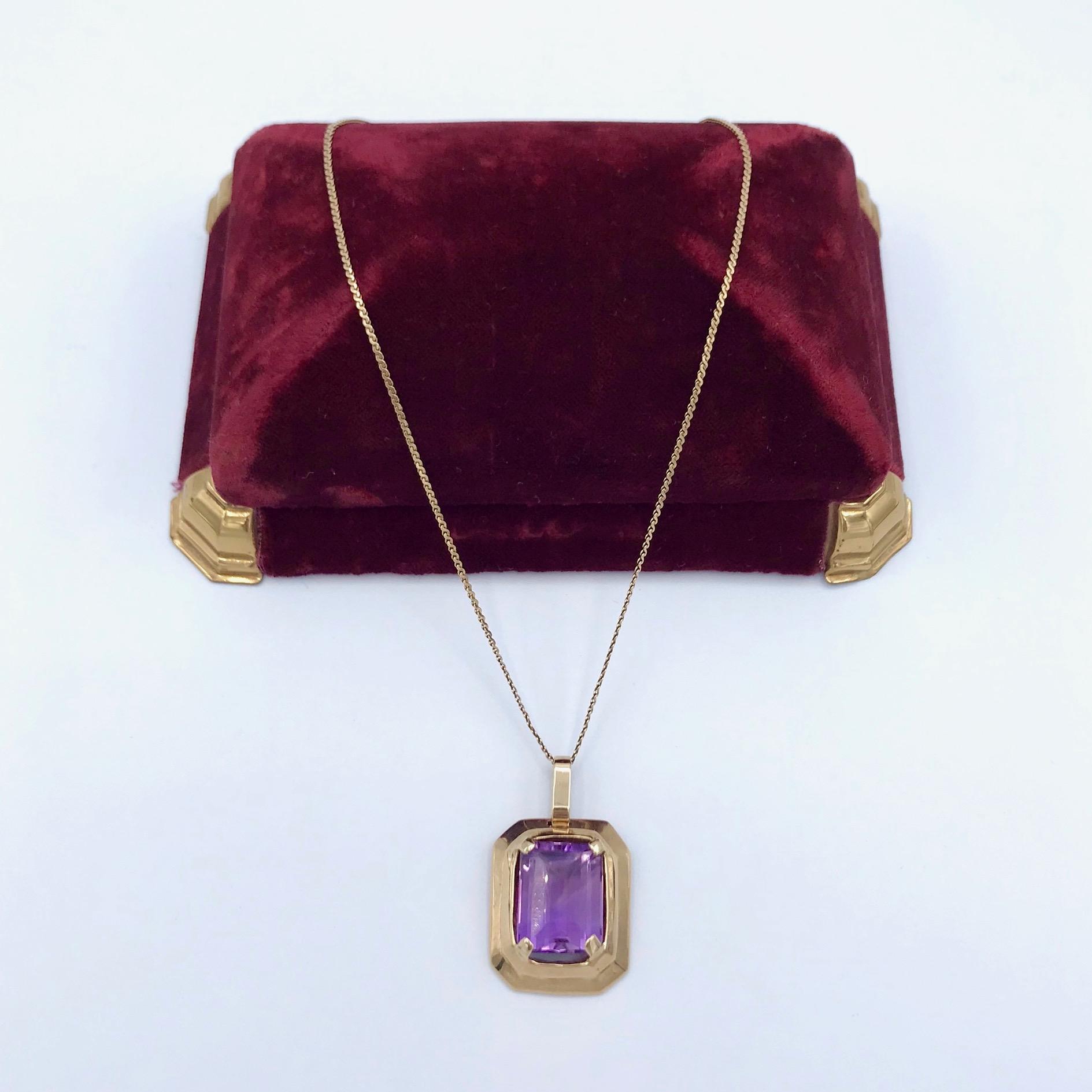 Rcctangular Gold & Amethyst Necklace