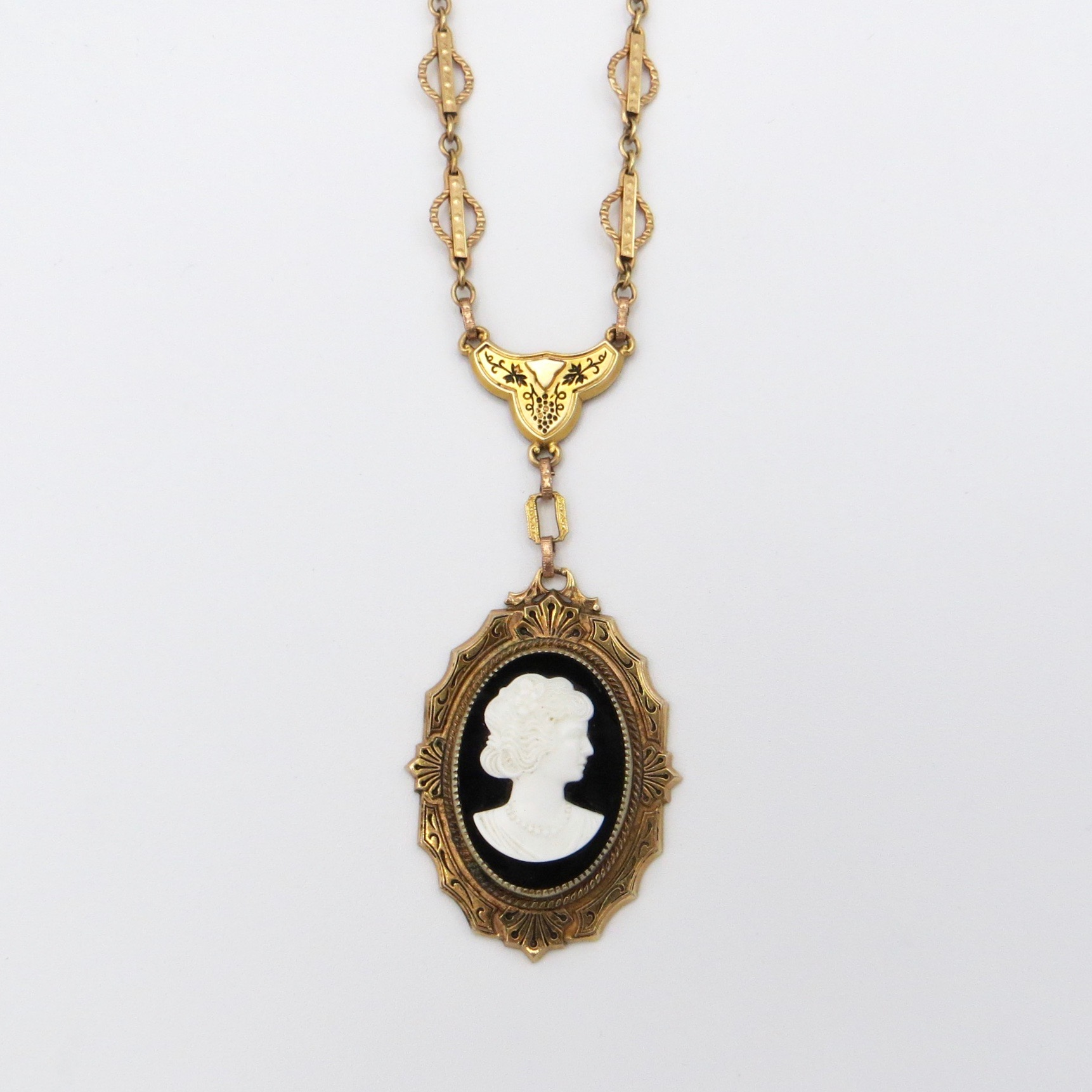 1920s Cameo Necklace