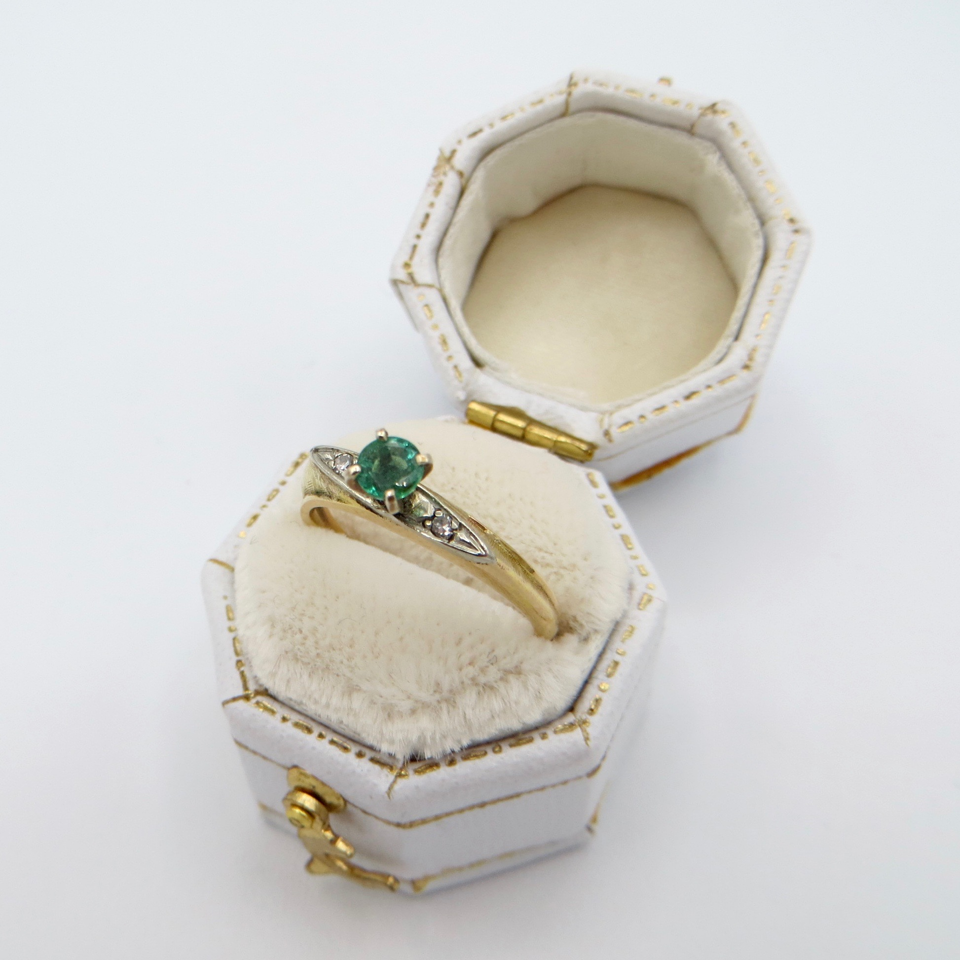 Round Emerald & Diamond Ring