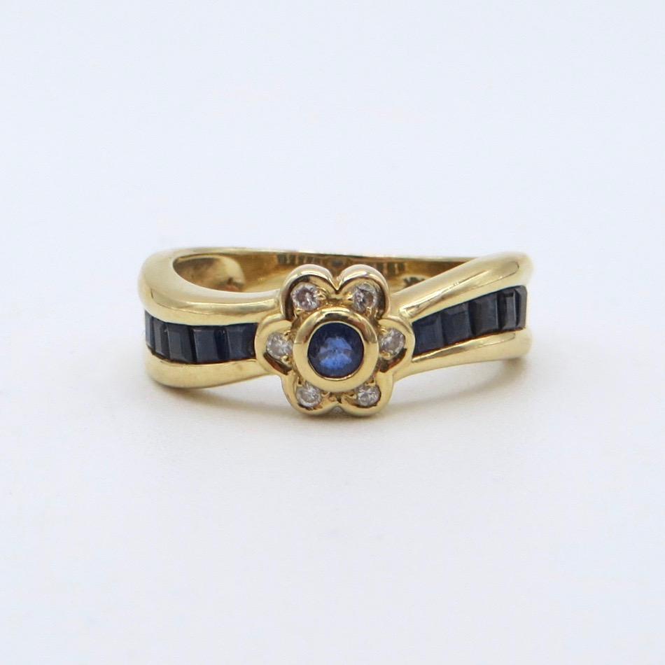 Diamond & Sapphire Flower Ring